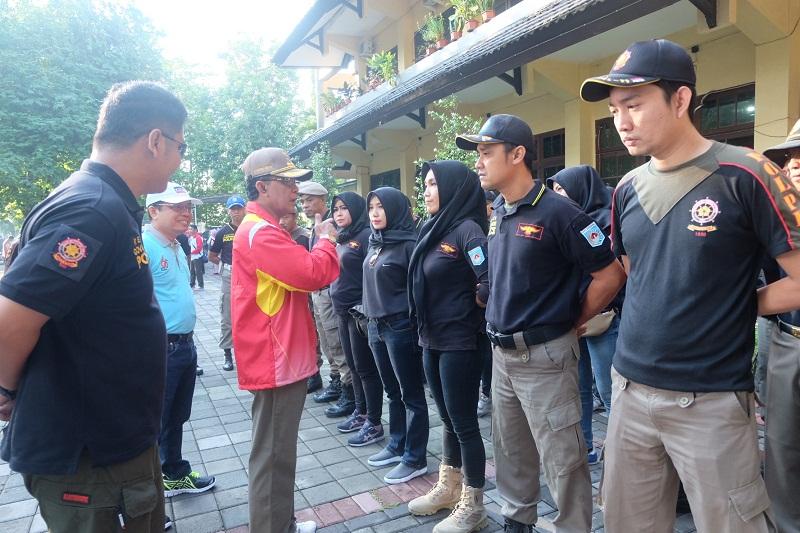 Wali Kota Mataram Pimpin Langsung Apel Gotong Royong Penertiban Alat Peraga Kampanye (APK)