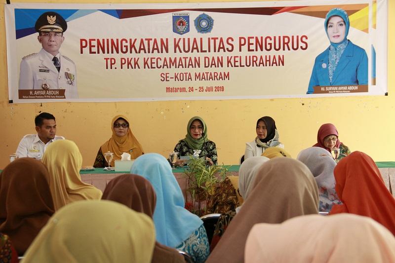 Road Show PKK Kota Mataram Dalam Rangka Peningkatan Kualitas Pengurus TP.PKK Kecamatan dan Kelurahan