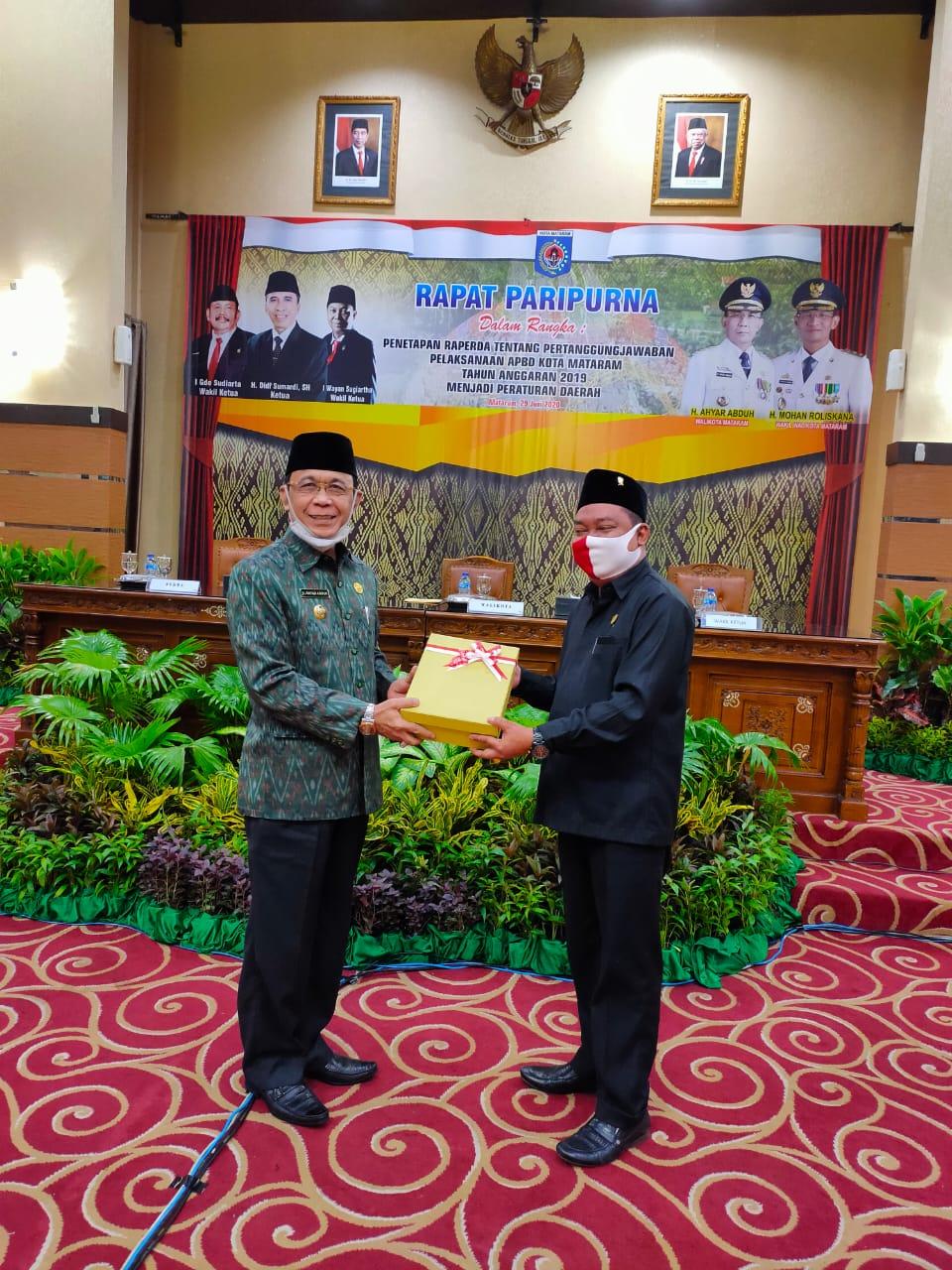 Walikota Sampaikan Pidato Pada Rapat Paripurna DPRD Kota Mataram