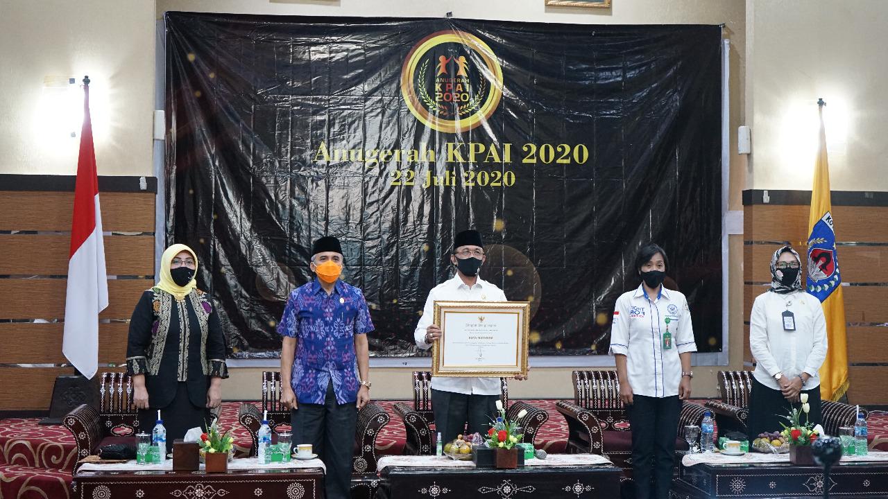 Kota Mataram Terima Anugerah atas Komitmen Penyelenggaraan Perlindungan Anak