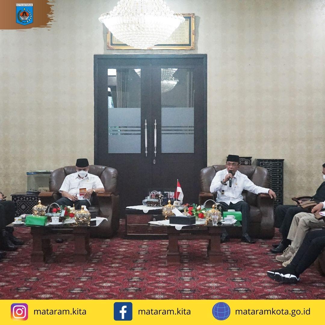 Wali Kota Pimpin Rapat Evaluasi Penanganan Covid-19 Kota Mataram