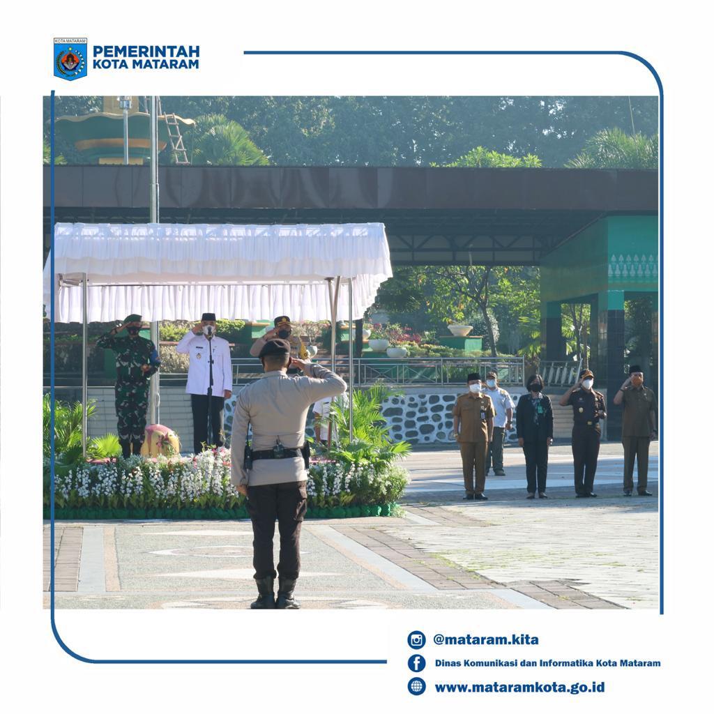 Wakil Wali Kota Mataram Pimpin Apel Kebangsaan Menjaga Sinergitas TNI-Polri Dan Pemerintah