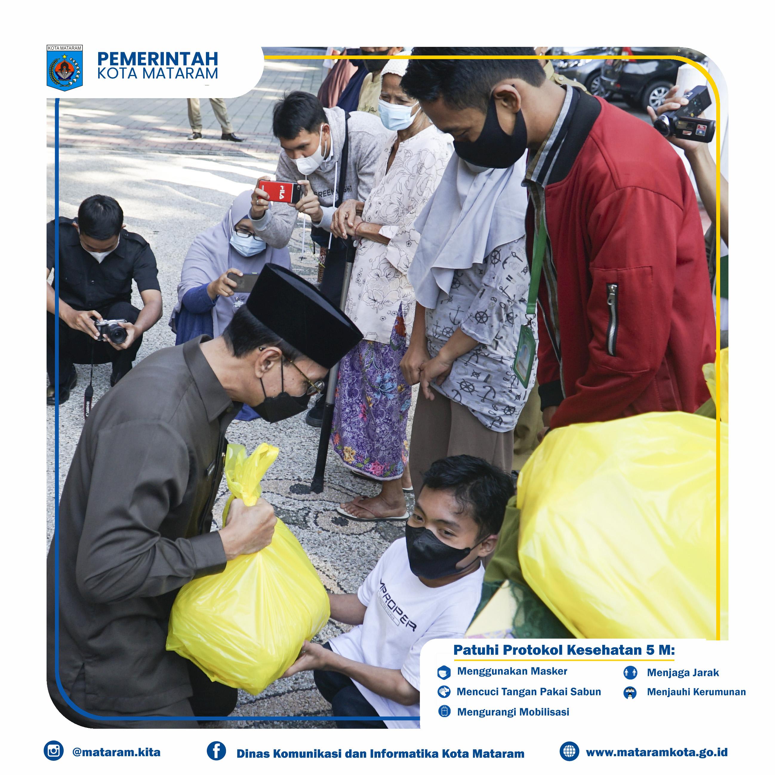 Penyerahan Bantuan Sosial PPKM Darurat Kota Mataram