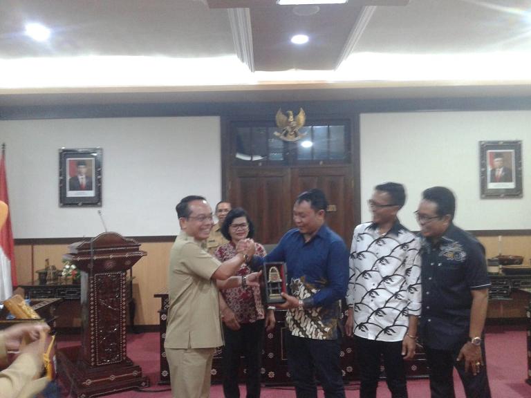DPRD Kabupaten Badung Provinsi Bali Kunjungan Kerja ke Kota Mataram Terkait Transparansi Pengelolaan Anggaran dan Dana Pokir atau (Pokok Pikiran Dewan)