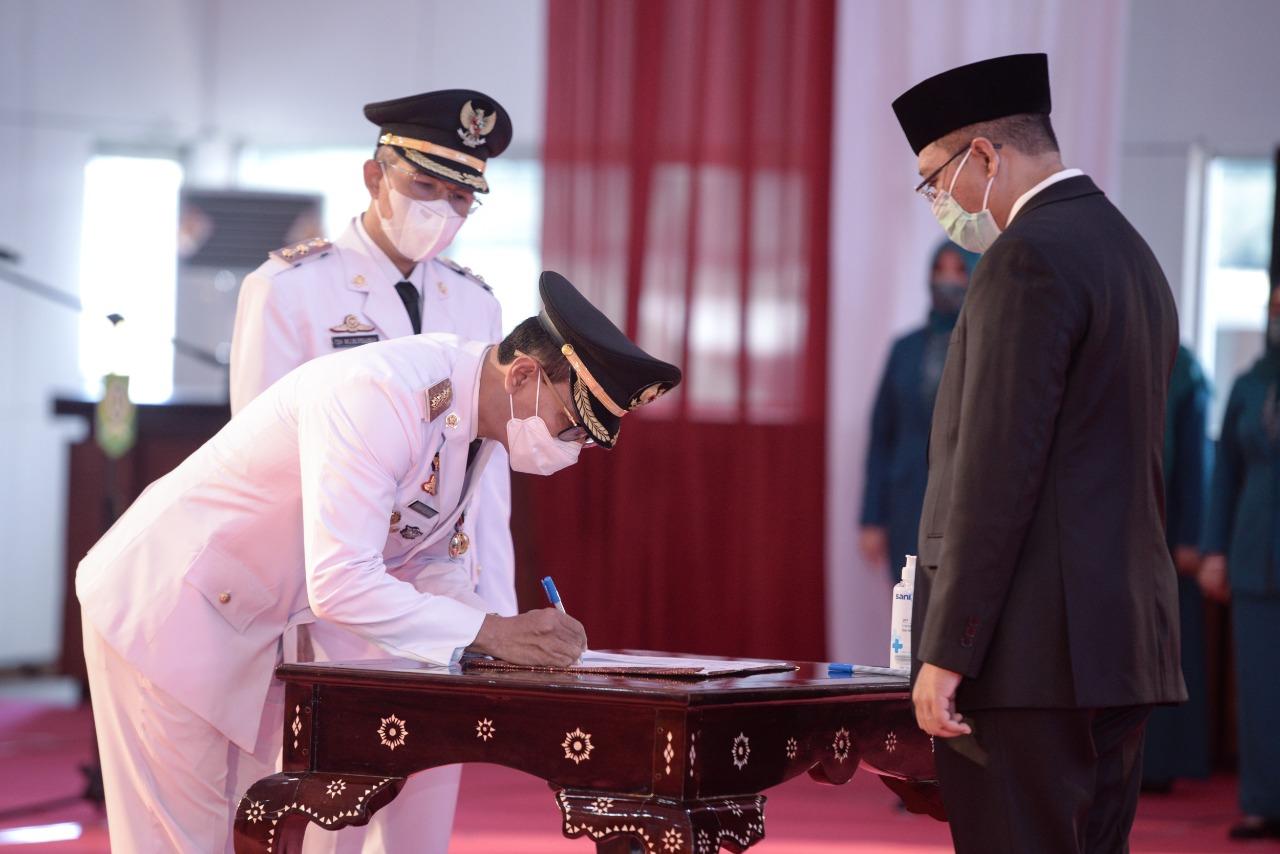 H. Mohan Roliskana dan TGH. Mujiburrahman Resmi Jabat Wali Kota dan Wakil Wali Kota Mataram